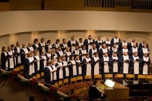 Sanctuary Choir 12-2014 (800x533)